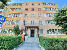 Apartament 3 camere decomandat zona Astra