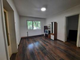 Apartament 2 camere, decomandat, zona Aurel Vlaicu, parter