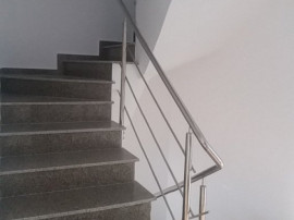 Triplex 5 camere/ Prelungirea Ghencea/ teren 250mp