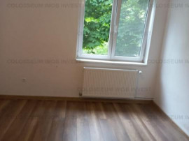 Apartament 2 camere,decomandat, etaj intermediar-Tractorul
