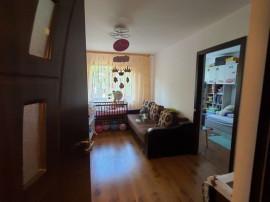 Apartament cu 3 camere Micro 38