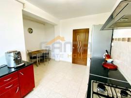 Apartament 2 camere, bloc nou, loc de parcare, zona Gradiste