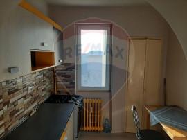 Apartament cu 2 camere de vânzare în zona Bancilor
