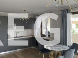Apartament trei camere, lux- zona rezidentiala