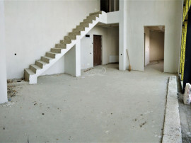 Apartament pe 2 niveluri