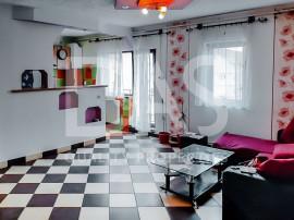Mansardă spațoasă cu 3 camere   Zona Vasile Aron