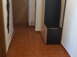 Inchiriez apartament cu 2 camere,aparatorii patriei