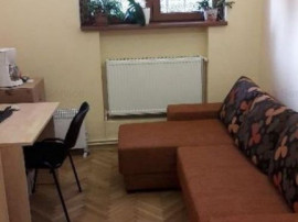 Apartament 3 camere parter in vila Cotroceni metrou Eroilor