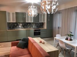 Închiriere apartament cu 3 camere central