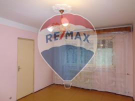 Apartament cu 3 camere în zona Rogerius