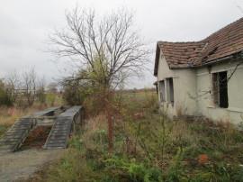 Teren si casa demolabila situate in Reghin, 250mp