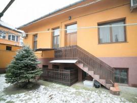 Apartament la curte, strada Mihai Eminescu