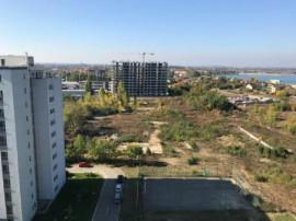 Teren cu dezvoltare rezidentiala, Militari