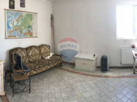 Spațiu de birouri + spatiu depozitare zona industriala