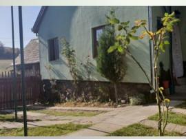Casa cu 3 camere in Budiu Mic