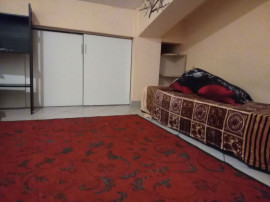 Inchiriez camere in vila Fundeni