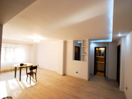 Faleza Nord Apartament 3 camere, la mai putin de 50m plaja!