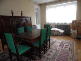 Apartament 4 camere decomandat cu GARAJ si BOXA sub bloc