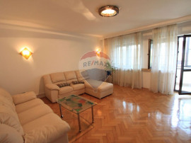 Vanzare apartament, 2 camere zona Casin.