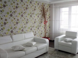 Peco, 3 camere, renovat, 2 balcoane, semi-mobilat, garaj inc