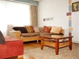 Apartament cu 3 camere decomandate in zona Parcul Rozelor