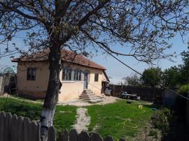 Casa si teren in sat Strejestii de Sus, judetul Olt