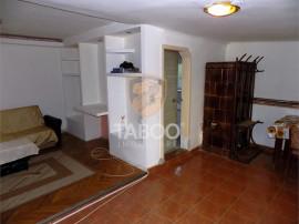 Apartament la casa 2 camere in zona Spitalului Judetean din