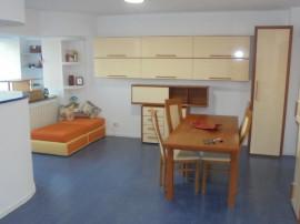 Apartament 3 camere decomandat transformat in 2 camere