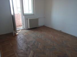 Apartament 3 camere nemobilat gara icil liceul ovidiu