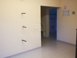 Apartament la parter 50 mp plus 35 mp gradina