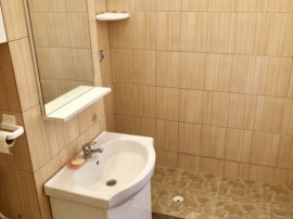 Apartament 3 camere zona Calea Bucuresti,