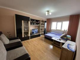 Apartament cu 3 camere, zona Girocului