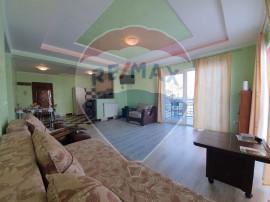 Apartament cu 3 camere si curte