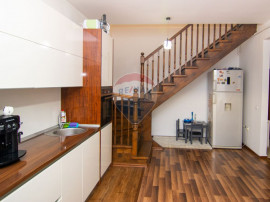 Apartament 3 camere superfinisat 92mp+parcare de vanzare,...