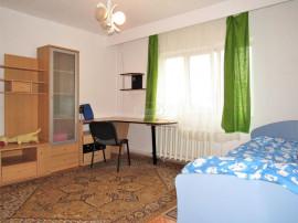 Apartament decomandat in zona blocului Farmec