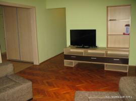 Apartament 3 camere amenajat - Zona Vlaicu