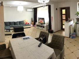 Apartament 3 camere 90mp