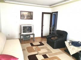 CENTRU- Apartament de 3 camere cu 3 balcoane.