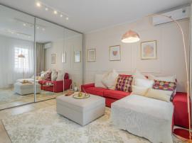 Apartament 2 camere + curte, 1 Decembrie metrou