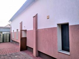 Casa/Vila individuala 4 camere- Zona linistita- Codrisor