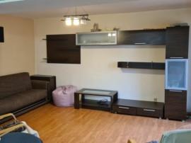 Inchiriez Apartament 3 camere P -ta Centrala