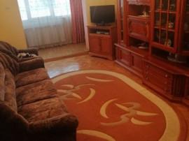 3 camere zona Judetean, decomandat, etaj intermediar,82.000€