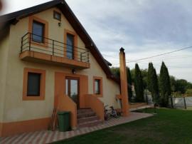 Vila 4 camere Saucesti