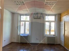 Apartament 2 camere zona Ultracentral, intrare separata
