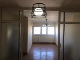 COLOSSEUM:Ap.2 camere, decomandat, etaj intermediar-Grivitei