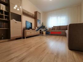 Etaj 1! apartament cu 3 camere in micro 12!