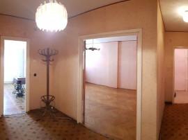 Apartament cu 3 camere in zona teatru