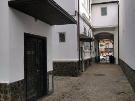 Gradinile Cismigiu, apartament 3 camere, doua bucatarii, ...