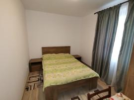 INCHIRIEZ apartament 3 camere decomandat,renovat,zona Strand