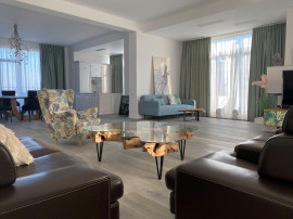 Inchiriere Penthouse Lux 5 camere Zona Nord